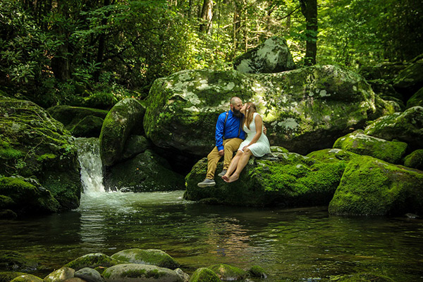 private-creekside-gatlinburg-wedding